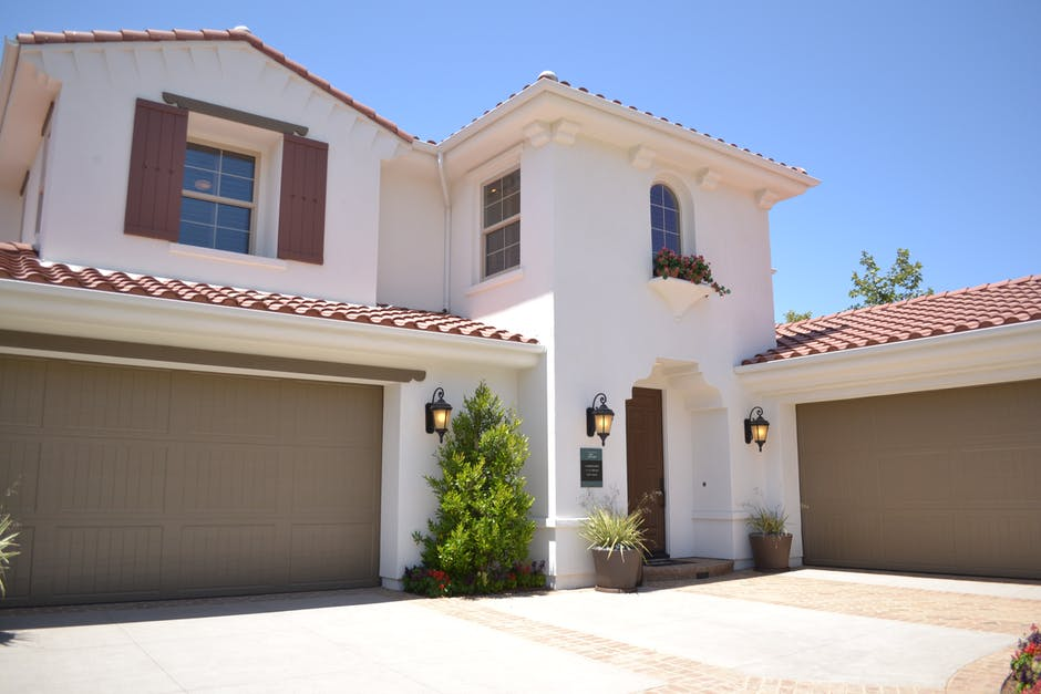 Your Guide When Looking for a Garage Door Repair Service